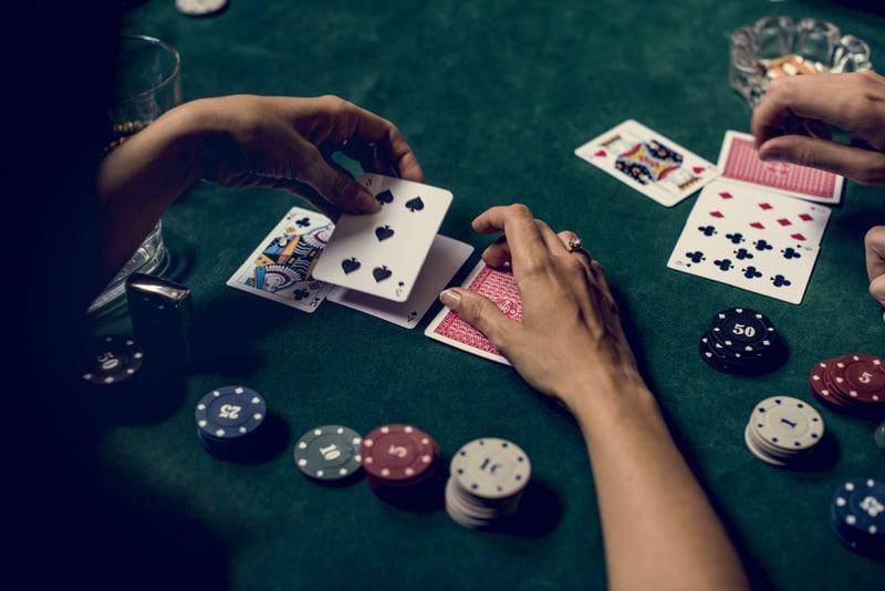 tranzacționarea jocurilor de noroc)