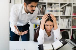 persoana-furioasa-tipa-la-angajat-tipuri-de-personalitate